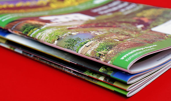 uhl media recyclingpapier hefte brosch ren freie formateingabe b x h. Black Bedroom Furniture Sets. Home Design Ideas
